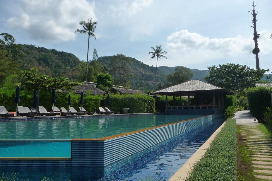 zwembad Gajapuri Resort & Spa - Koh Chang - Thailand - foto: Floor Ebbers