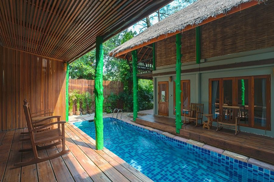 kamers rondom zwembad - Peter Pan Resort - Koh Kood - Thailand - foto: Peter Pan Resort