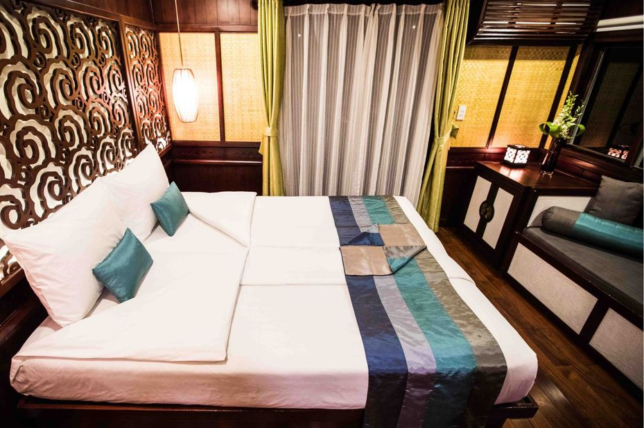 Vietnam - Halong Bay - Bhaya Classic Boat - Terrace Suite
