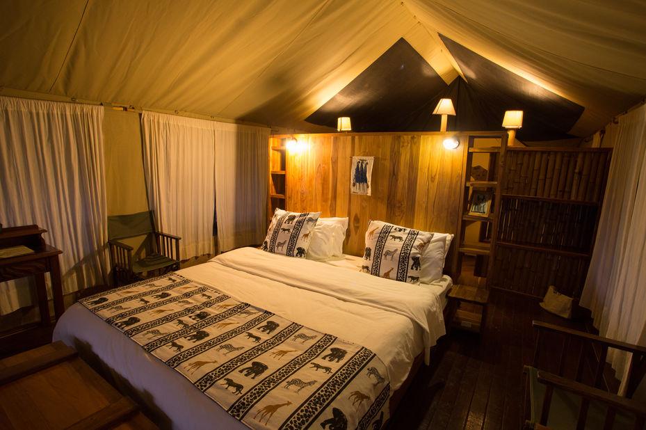Vuma Hills - tent interieur - Mikumi National Park -Tanzania - foto: Vuma Hills