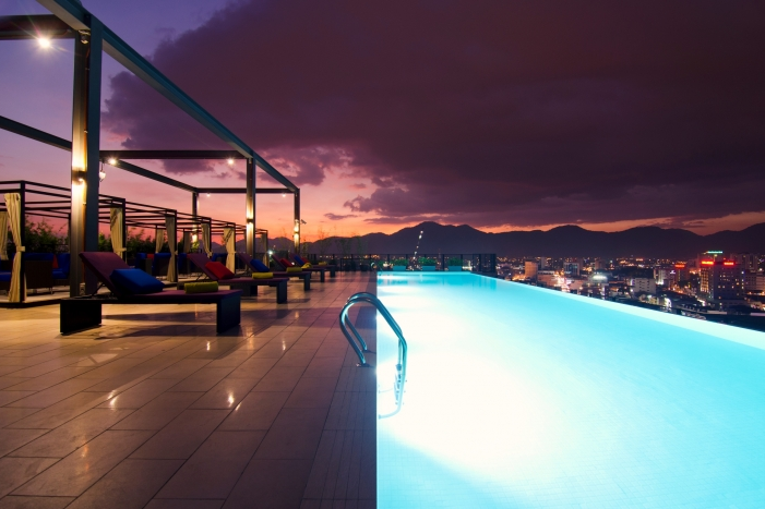 Weil Hotel - rooftop infinity pool - zwembad - Ipoh - Maleisie - foto: Weil Hotel Ipoh