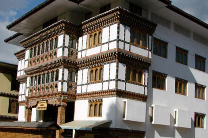 Vooraanzicht Phuntsho Pelri hotel - Phuntsho Pelri - Bhutan - foto: lokale agent