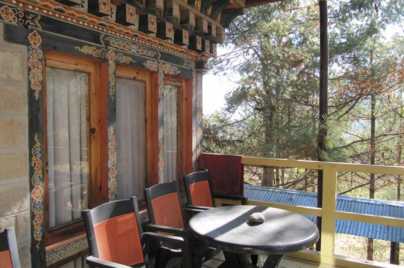 balkon van Chumey Nature Resort - Chumey Nature Resort - Bhutan - foto: Mieke Arendsen