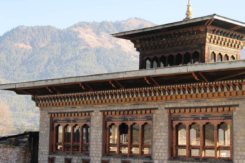 gevel van Mipham Guesthouse - Mipham Guesthouse - Bhutan - foto: Mieke Arendsen