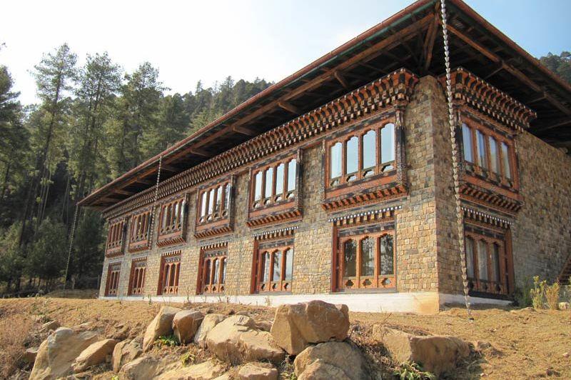 gevel van Hotel Dewachen - Hotel Dewachen - Bhutan - foto: Mieke Arendsen