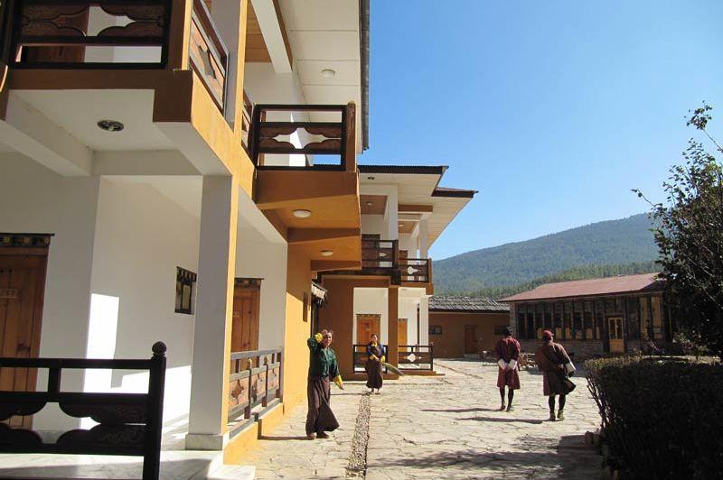 plein bij het Tenzinling Resort - Tenzinling Resort - Bhutan - foto: Mieke Arendsen