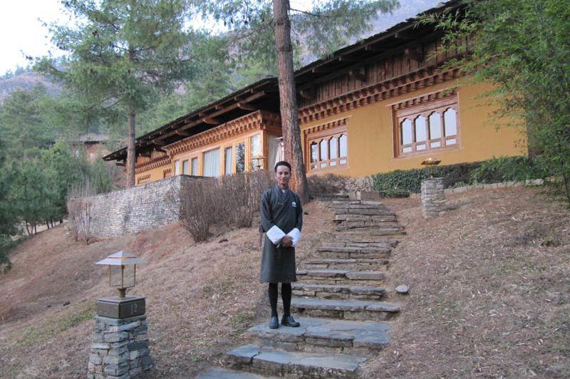 villa's van het Uma Paro Hotel - Uma Paro Hotel - Bhutan - foto: Mieke Arendsen
