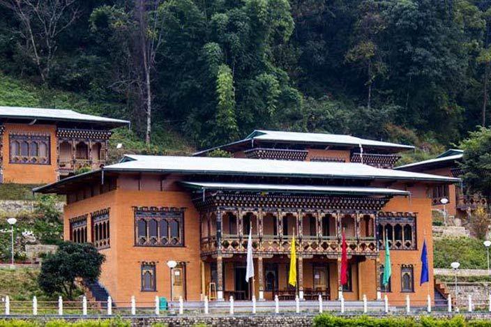 hoofdgebouw van Lingkhar Lodge in Trashigang - Lingkhar Lodge - Bhutan - foto: archief