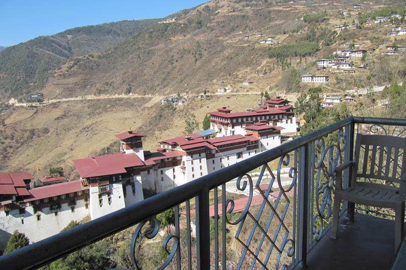 uitzicht van Tashi Ninjay in Trongsa - Tashi Ninjay - Bhutan - foto: Mieke Arendsen