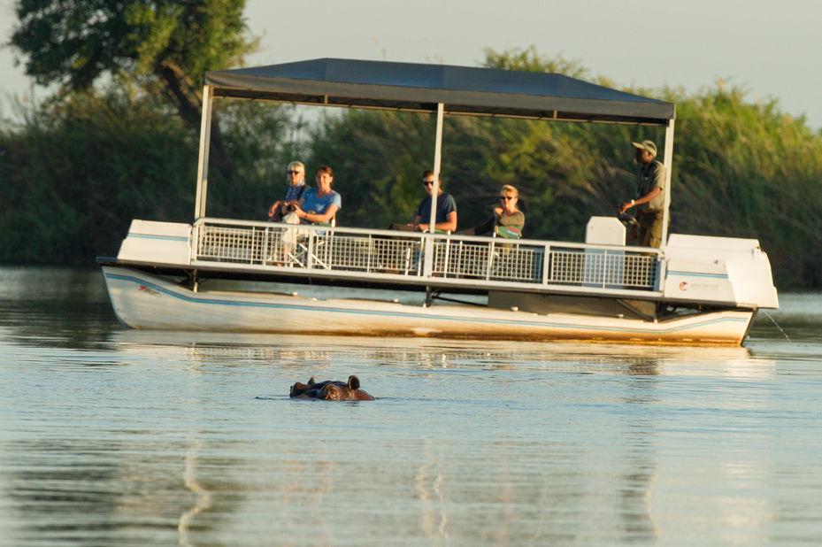 boottocht - Chobe Rivier - Botswana - foto: Muchenje Safari Lodge