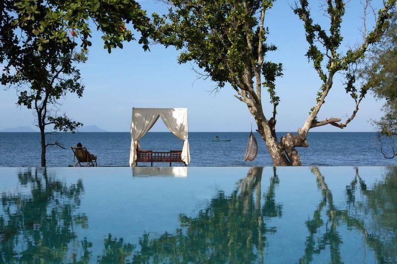 zwembad - Knai Bang Chatt Resort - Kep - Cambodja