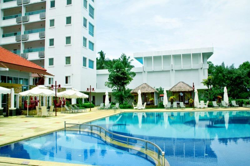zwembad - Independence hotel - Sihanoukville - Cambodja