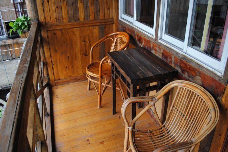 balkonzitje bij kamer Ping'an guesthouse - Ping an Guesthouse - China