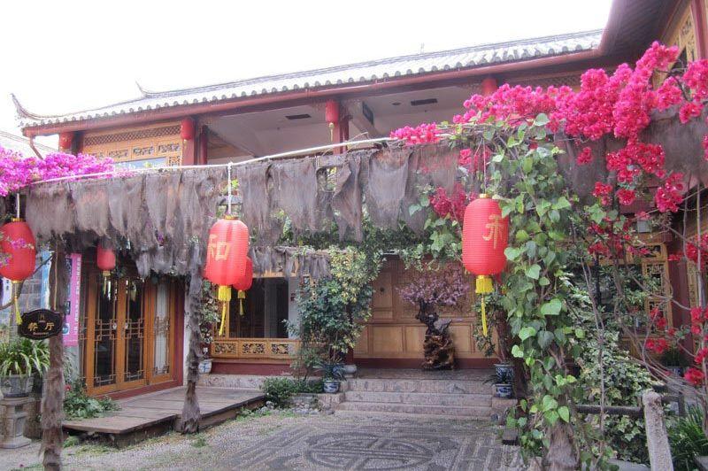 voorzijde Hexi Hotel Lijiang - Hexi Hotel Lijiang - China
