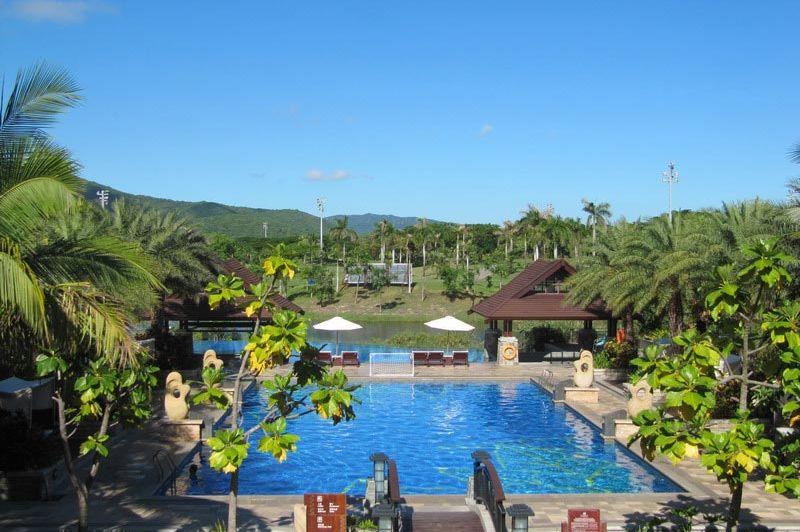 Grand Metropark Resort Hotel zwembad - Grand Metropark Resort Hotel - China