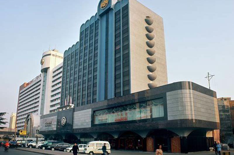 voorzijde van Luoyang Peony Hotel in Luoyang - Luoyang Peony Hotel - China - foto: Luoyang Peony Hotel