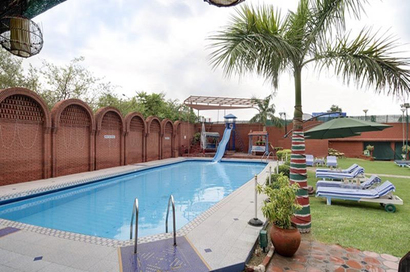 zwembad - Hotel Amar - Agra - India