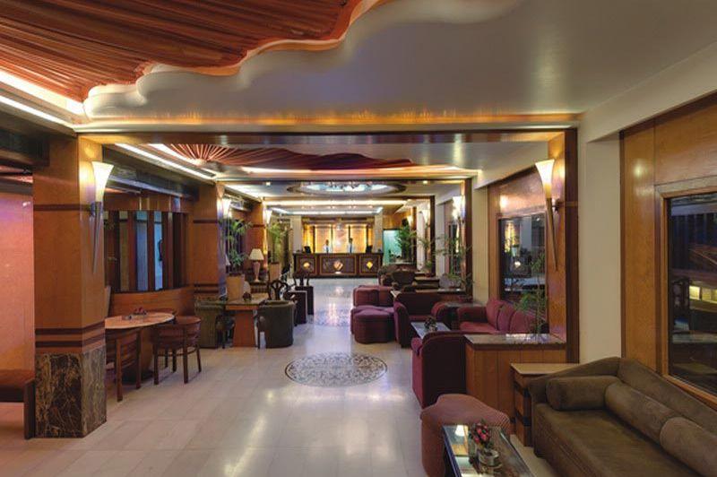 lobby - Hotel Amar - Agra - India