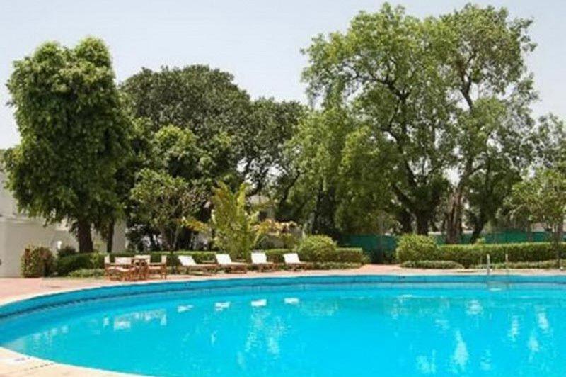 zwembad - Oberoi Maidens - Delhi - India