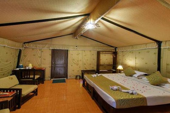 Interieur van de tenten in Lion Safari Camp - Lion Safari Camp - India - foto: Lion Safari Camp