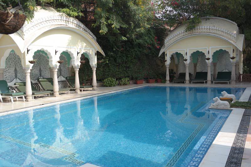 Alsisar Haveli zwembad - Jaipur - India - foto: Mieke Arendsen