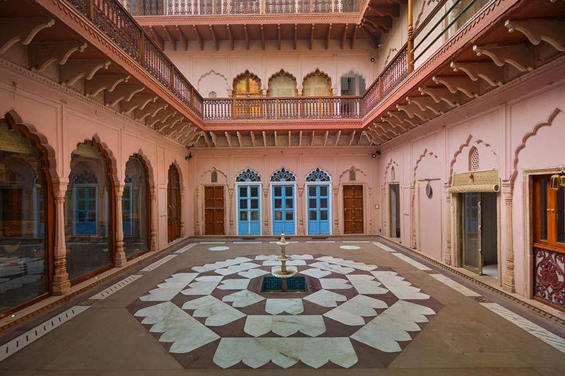 Haveli Dharampura binnenpleintje - Delhi - India - foto: Mieke Arendsen