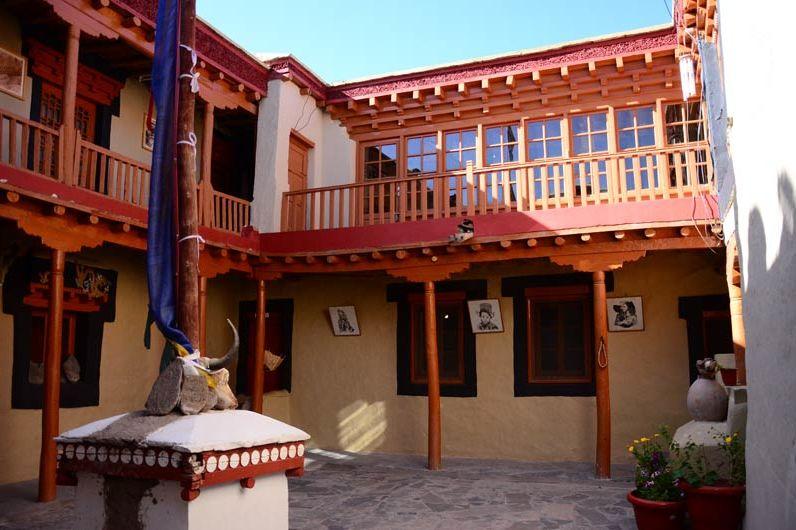 aanzicht van Stok Palace in Leh - Stok Palace - India - foto: Ashfaq Rah
