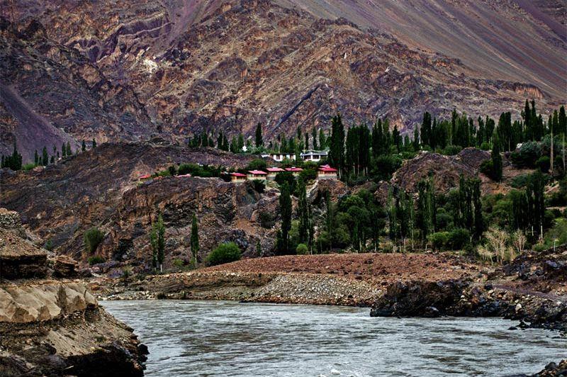 uitzicht op rivier bij het Ule Ethnic Resort in Uleytokpo - Ule Ethnic Resort - India - foto: Ule Ethnic Resort