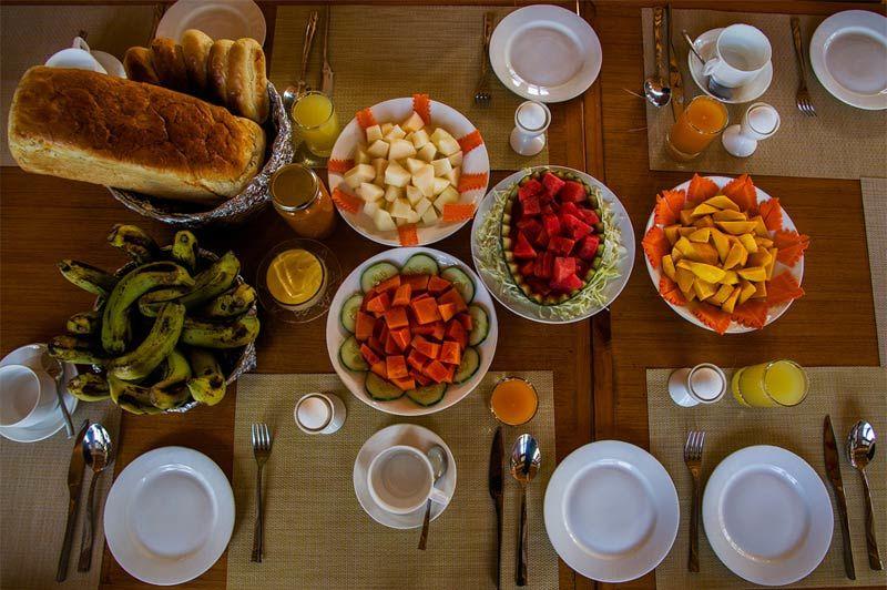 lunch in het Ule Ethnic Resort in Uleytokpo - Ule Ethnic Resort - India - foto: Ule Ethnic Resort