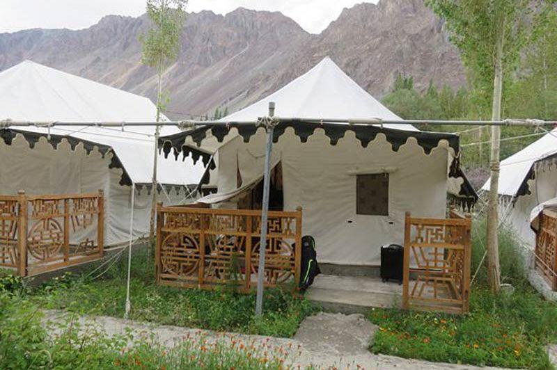 Nubra Ethnic Camp vooraanzicht tenten in de Nubravallei - Nubra Ethnic Camp - India