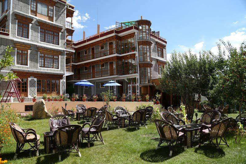 Royal Palace terras in Leh - Leh - India - foto: Royal Palace