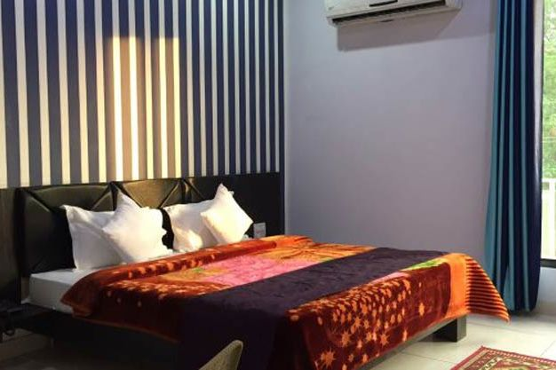 slaapkamer van Hotel White City in Anandpur Sahib (2) - Hotel White City - India - foto: Hotel White City