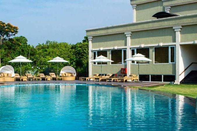 zwembad van Atrio Hotel in Delhi - Atrio Hotel - India - foto: Atrio Hotel