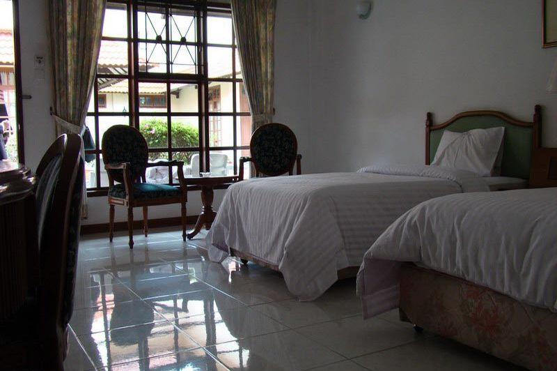 kamer - Sinabung Resort Hotel - Berastagi - Indonesië
