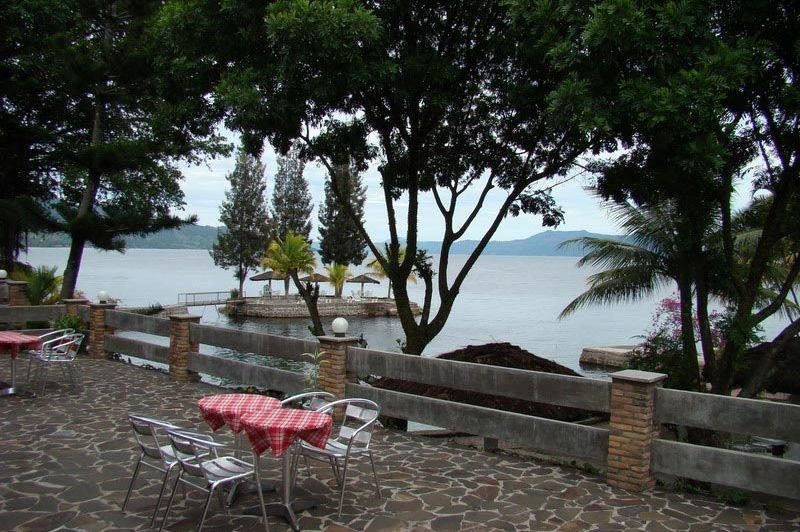 terras - Toledo Inn - Samosir Island - Indonesië
