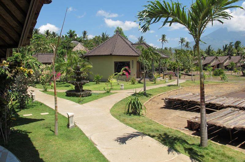 terrein van Hotel Uyah Amed & Spa Resort - Hotel Uyah Amed & Spa Resort - Indonesië