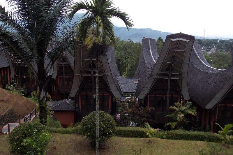 buitenkant deluxe rooms - Hertage Hotel Torajaland - Toraja - Hertage Hotel Torajaland - Toraja - Indonesië