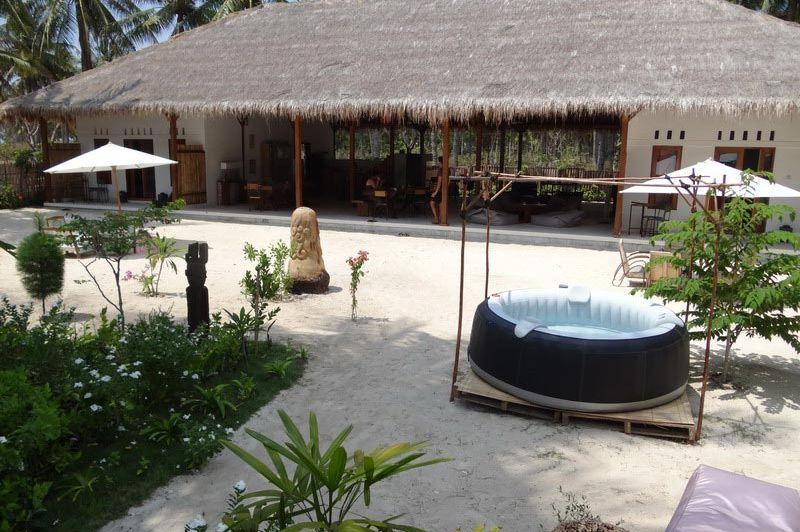 Uitzicht en zwembad van La Cocoteraie - La Cocoteraie - Indonesië - foto: Lokale agent