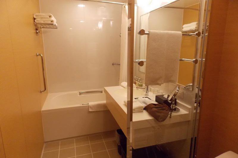 badkamer in Hotel Niwa Tokyo - Hotel Niwa Tokyo - Japan - foto: Floor Ebbers