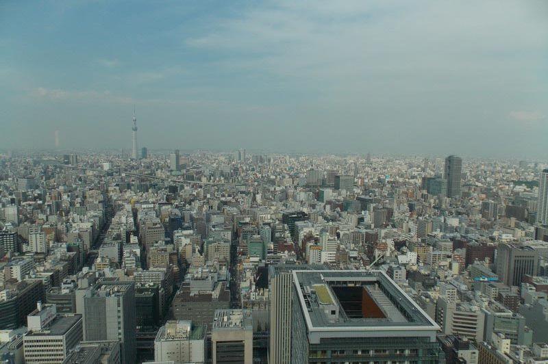 uitzicht vanuit het Mandarin Oriental Hotel Tokyo - Mandarin Oriental Hotel Tokyo - Japan - foto: Floor Ebbers
