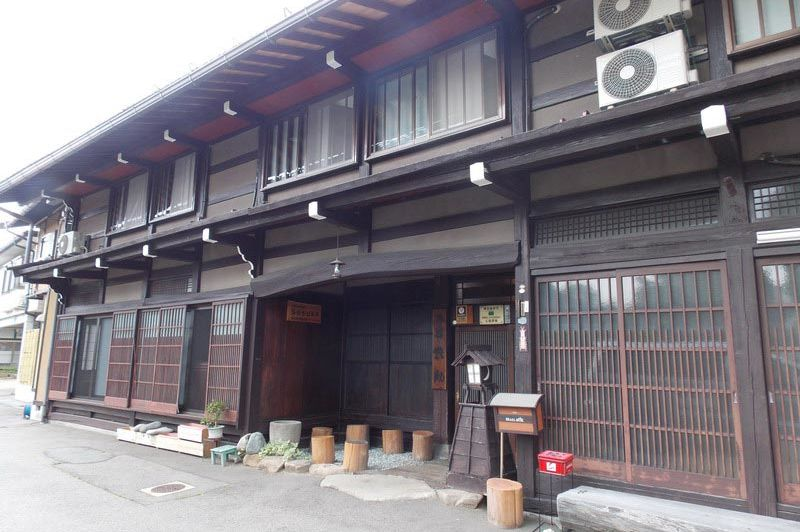 vooraanzicht van het Minshuku Sosuke Takayama - Minshuku Sosuke Takayama - Japan - foto: Floor Ebbers