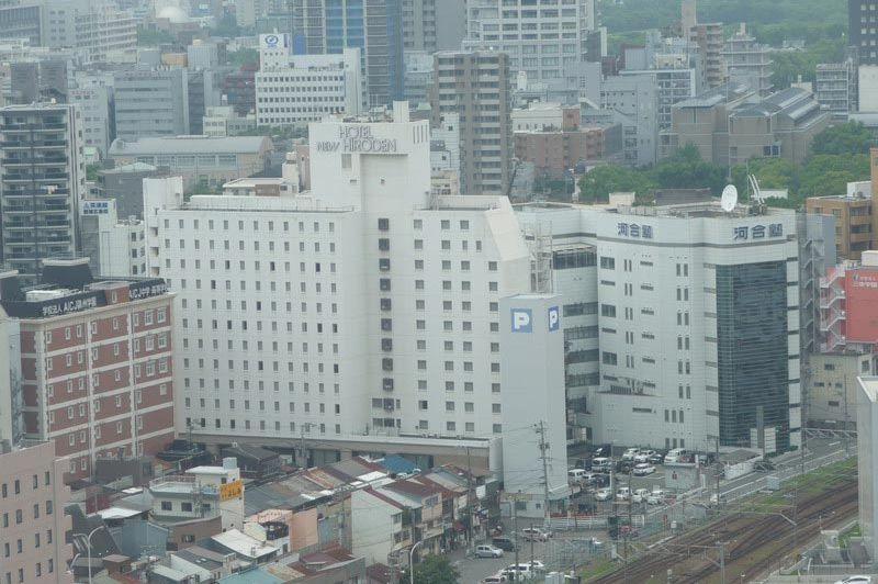 Hotel New Hiroden in Hiroshima (uitzicht vanaf Sheraton) - Hotel New Hiroden - Japan - foto: Floor Ebbers