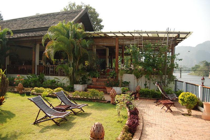 vooraanzicht - Villa Nam Song - Vang Vieng - Laos