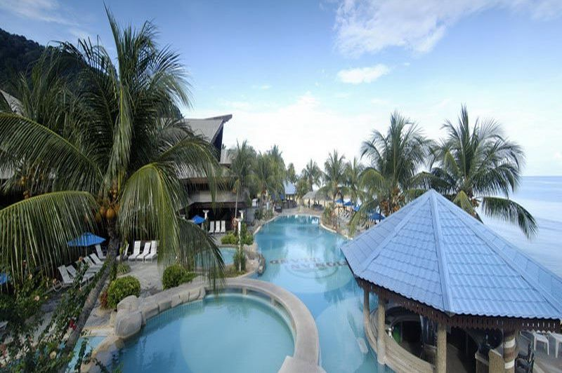 zwembed en pool bar - Berjaya Tioman - Maleisië