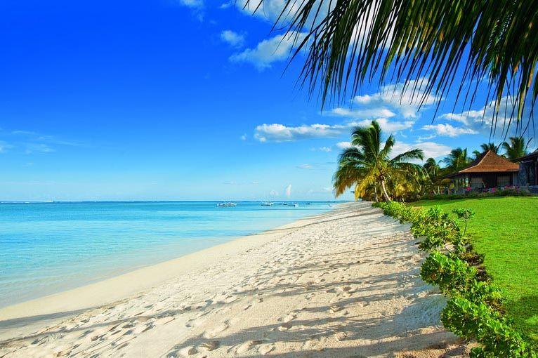 Strand bij LUX Le Morne - LUX Le Morne - Mauritius - foto: LUX