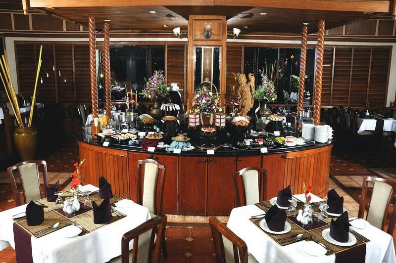 restaurant - Summit Parkview hotel - Yangon - Myanmar