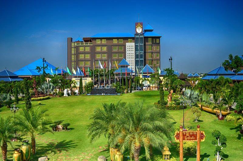 vooraanzicht Hotel Shwe Pyi Thar -  Hotel Shwe Pyi Thar - Myanmar