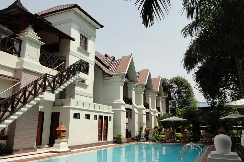 zwembad Shwe Taung Tarn Hotel - Shwen Taung Tarn Hotel - Myanmar - foto: Floor Ebbers