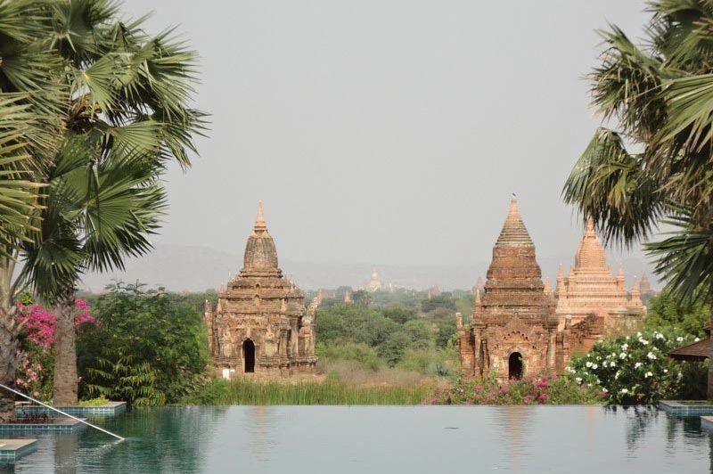 zwembad Aureum Palace Hotel - Aureum Palace Hotel - Myanmar - foto: Floor Ebbers