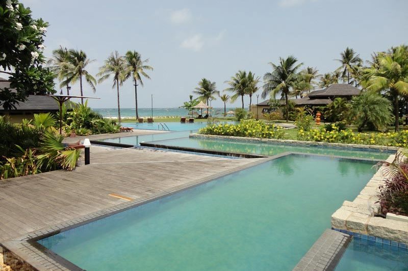 zwembad Bay of Bengal Resort - Bay of Bengal Resort - Myanmar - foto: Floor Ebbers